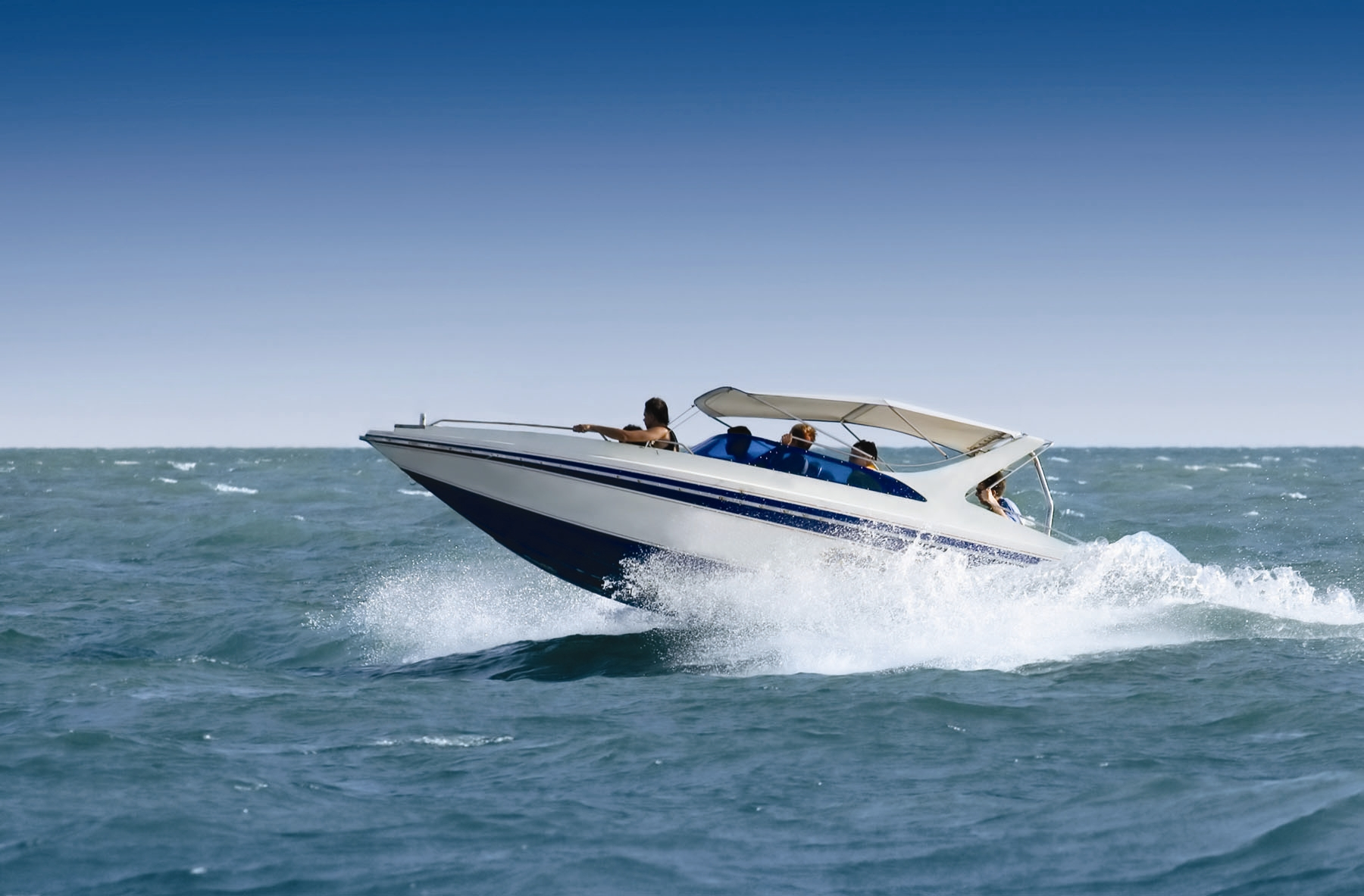 Cruising trip by speed boat full day tours in qatar