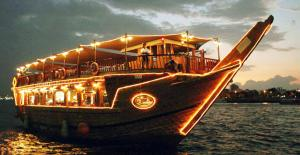Dhow Cruise Tour Packages